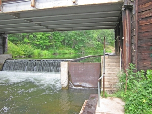 Miniature lock and dam between Middle Eau Claire and Lower Eau Claire Lakes