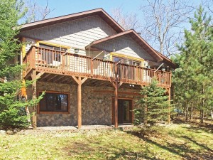Upper Eau Claire Lake home